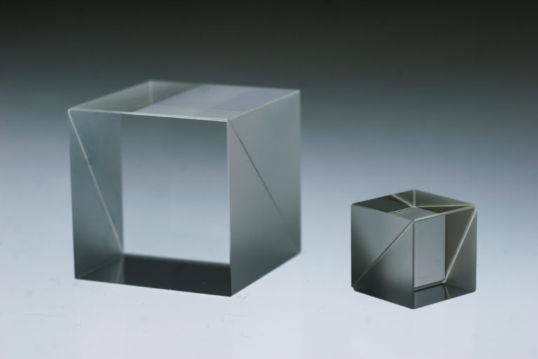 Cube polarizers